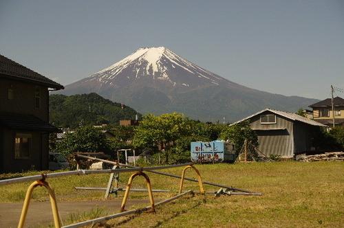 三つ峠駅近くからの富士170603.JPG