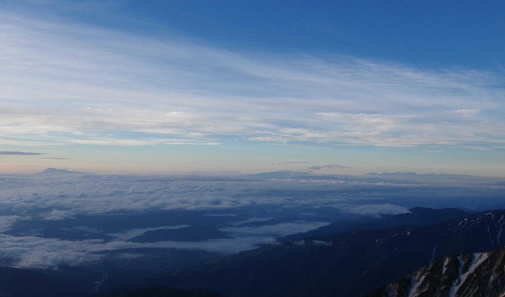 雲海越しの浅間山〜八ヶ岳・富士山〜南アルプス180710.JPG